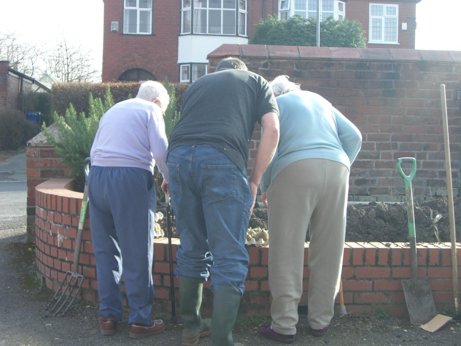 Auden_residents gardening